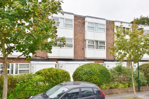 View Full Details for Wellington Road, Hampton Hill